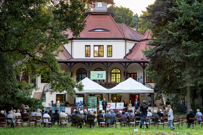 You are currently viewing Fotorelacja z XVII Festiwalu Otwarte Ogrody – autor: Wojciech Kopacewicz